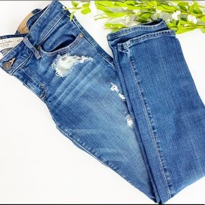 Hollister Straight Leg Distressed Jeans Size 27